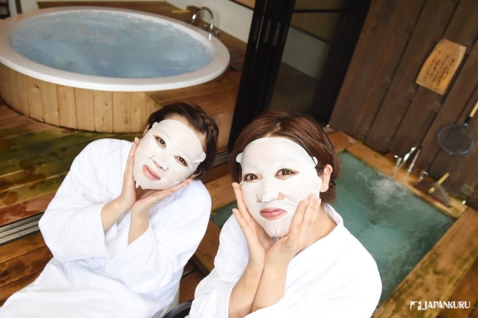 Private onsen ryokan prepared for ladies