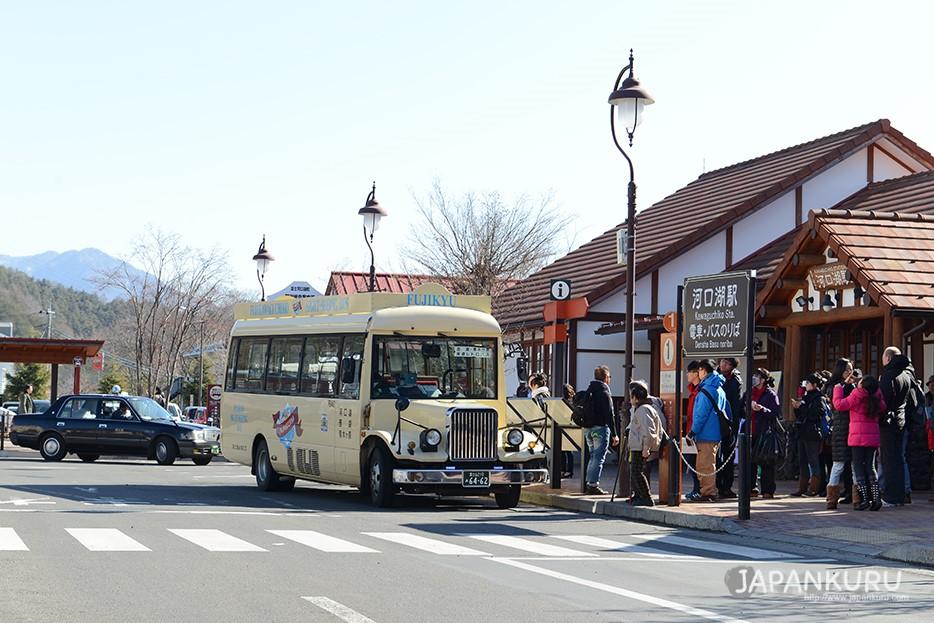 前往河馬巴士搭乘處