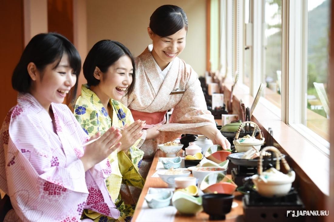 Enjoy the fall inHakone Kowakien Hotel