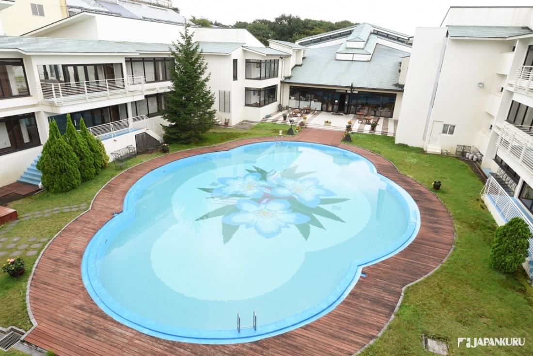 夏天限定的户外泳池 Oriental Garden
