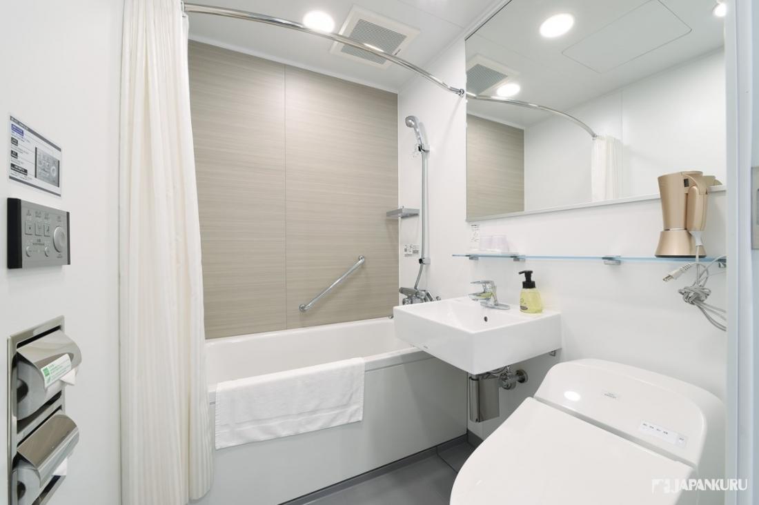 乾凈的衛浴設備