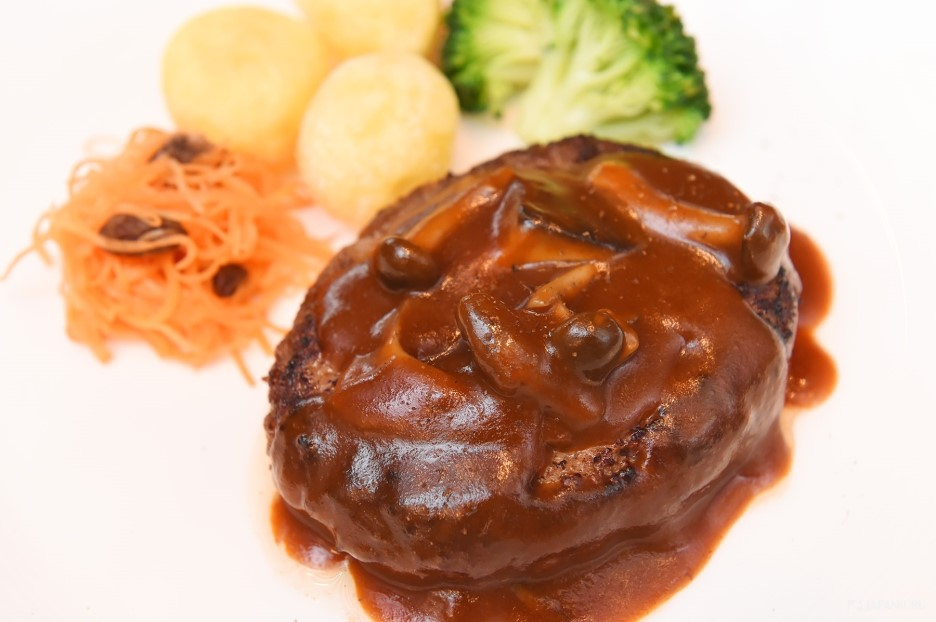 100%Japanese Akaushi Beef Hamburg Steak with demi-glace Sauce