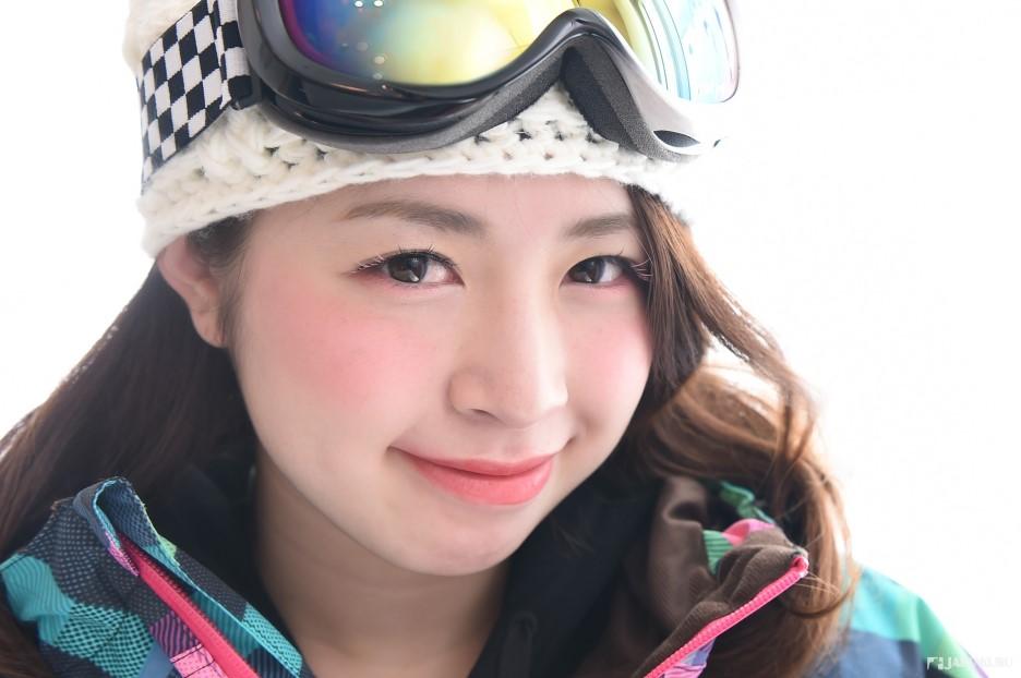 在滑雪场,当然还是自然系美妆最棒!