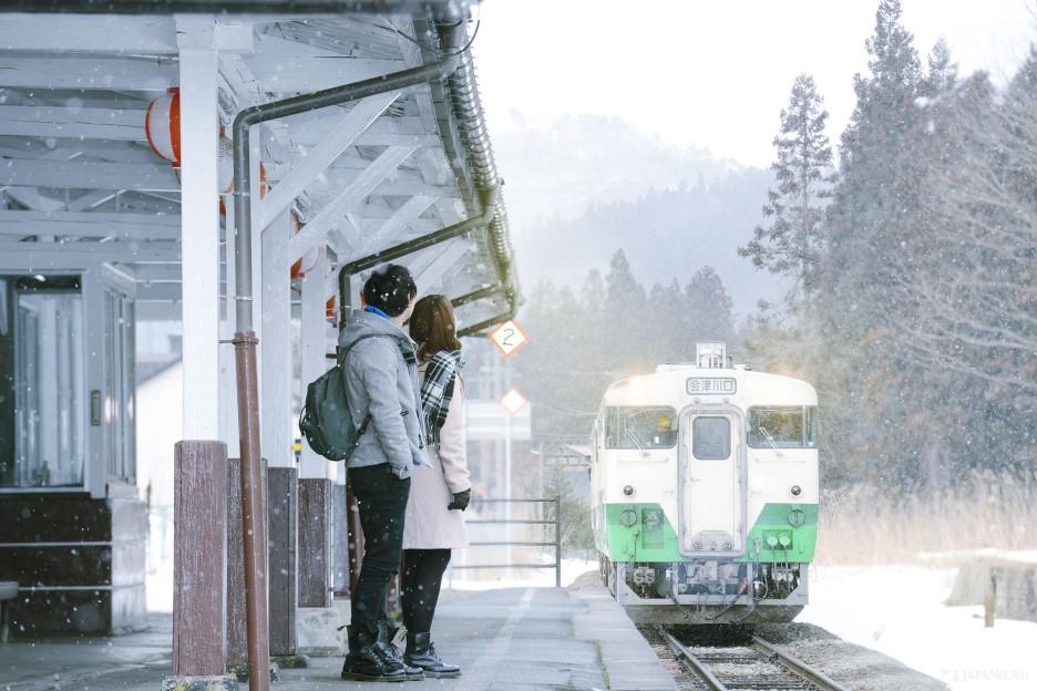 Winter Travel via the Tadami Line
