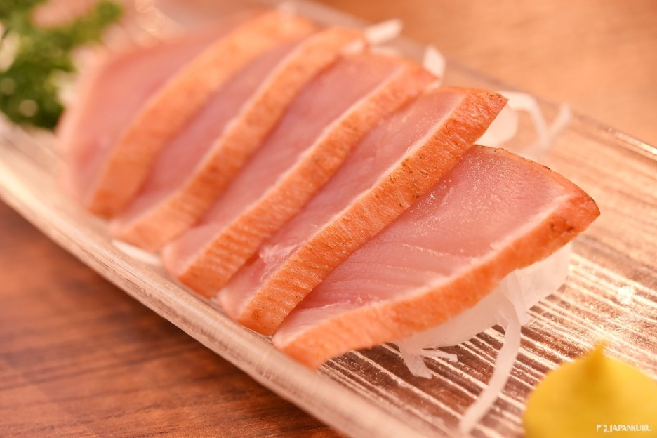 *生火腿黑鮪魚(まぐろの生ハム) 680日元(含稅)