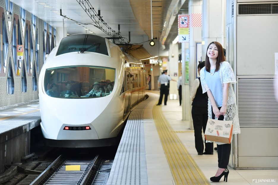 搭乘小田急電鐵的浪漫特快往箱根出發!!