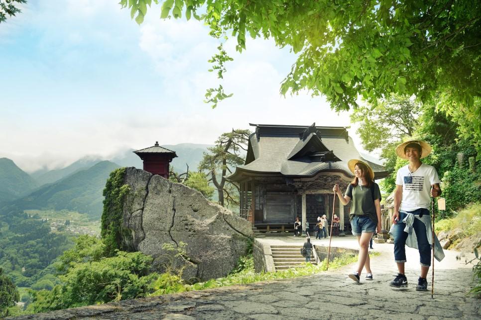 山寺頂點!隱藏在大岩山上的大佛殿