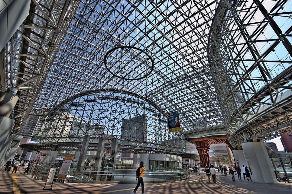포인트2 - 유리로 만들어진 아름다운 돔