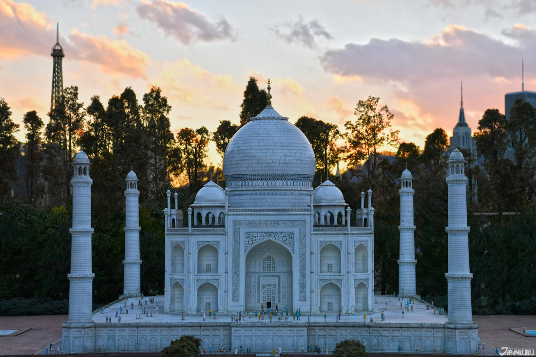 Coucher de soleil sur le Taj Mahal!