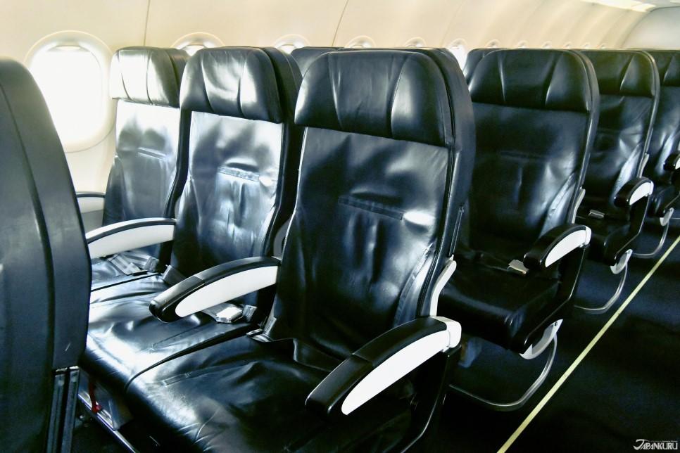 전좌석 가죽시트& 넓은 좌석 공간