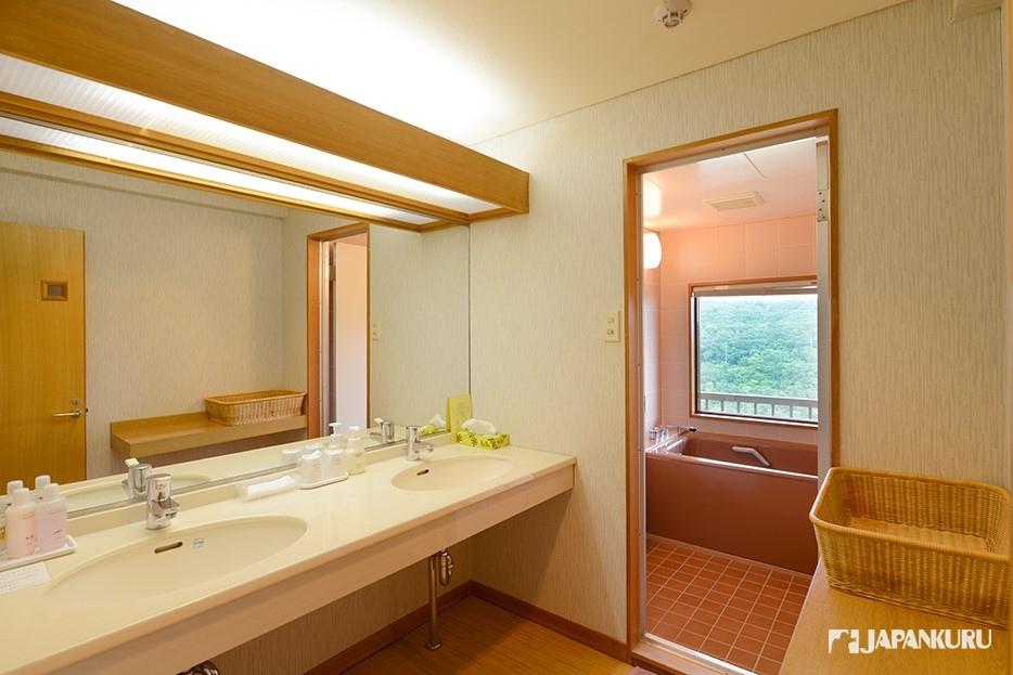 齊全的衛浴設備
