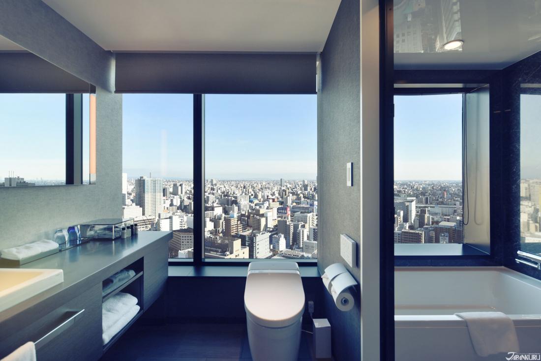 욕실, 화장실에서도 보이는 나고야 시내