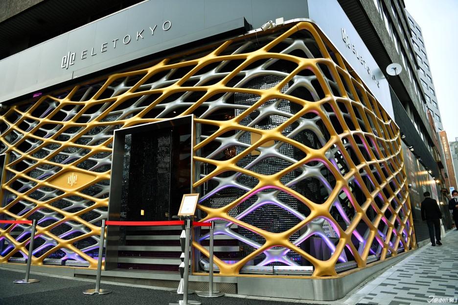 在東京最時髦的區域「麻布十番」舉行