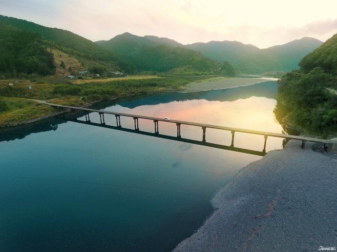 แม่น้ำ Shimanto (四万十川)