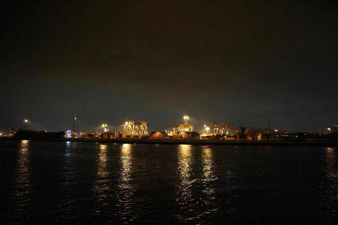 晚上漂亮的大井埠頭