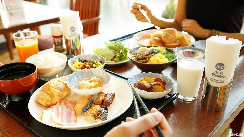 Buffet-style Breakfast