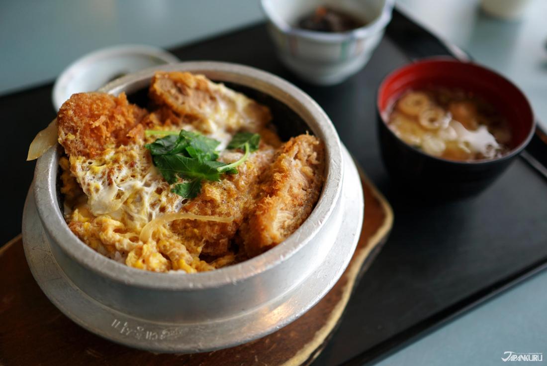 Un délicieux Okama Katsudon