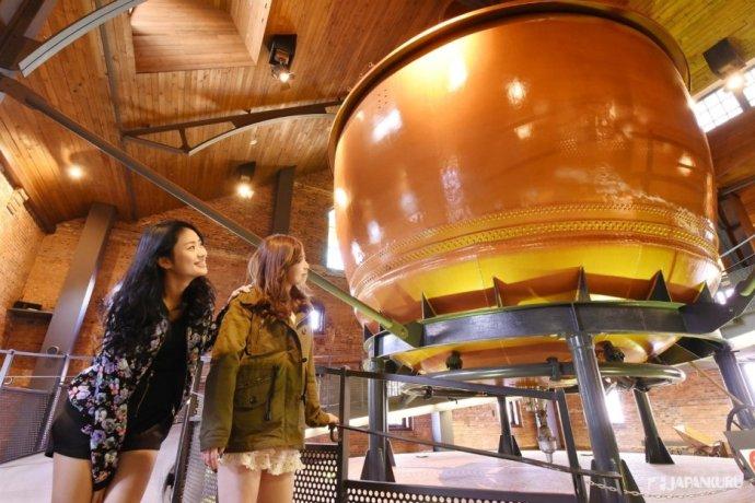 二樓展示廳 工廠實際使用過的釀酒槽
