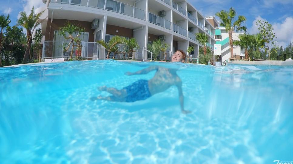 飯店小型遊泳池