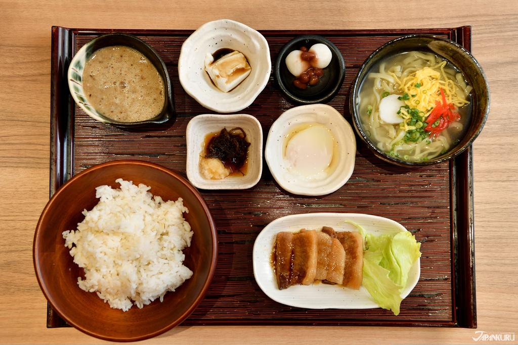 琉球麦とろヘルシー御膳 1380日圓+TAX