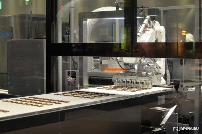 製作甜點的生產線