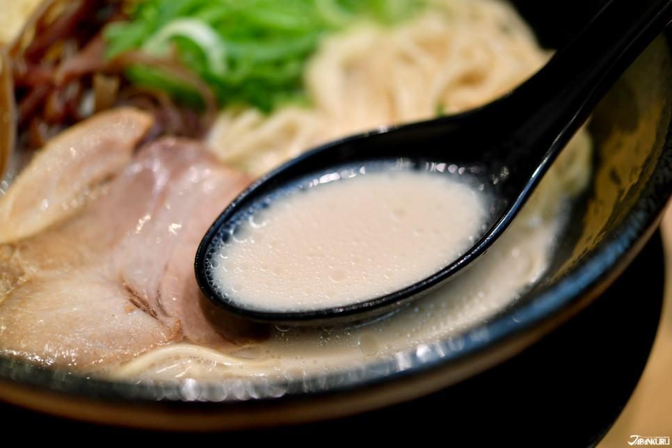 清爽无腥味的豚骨汤