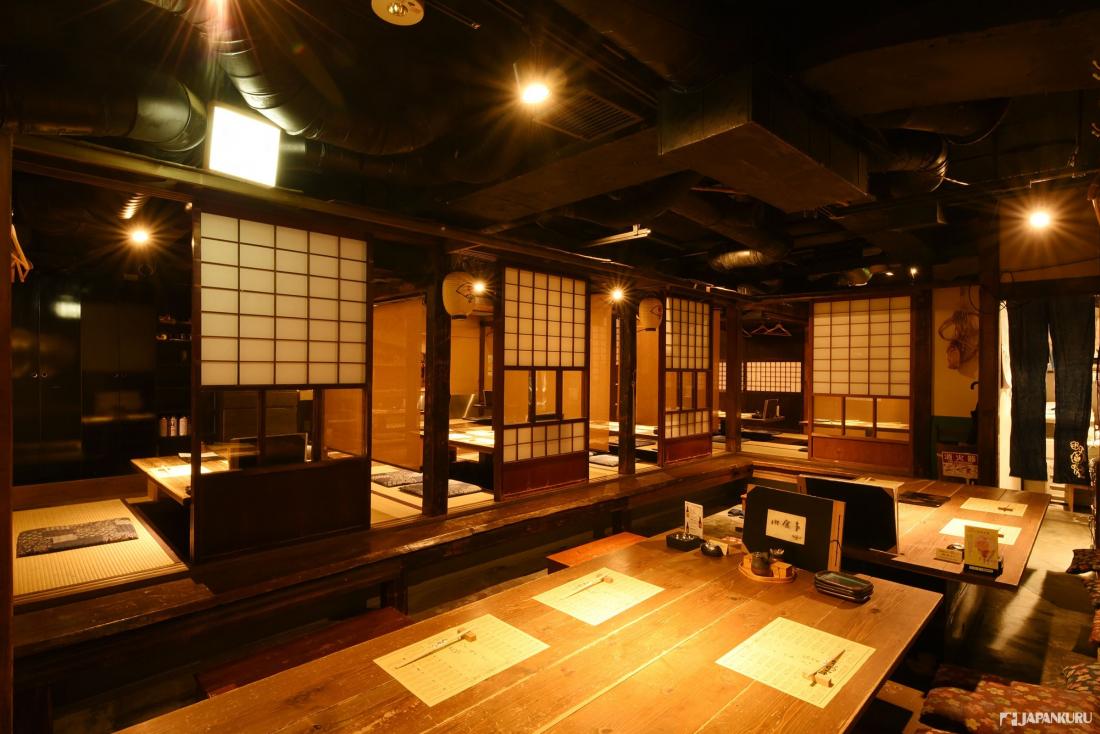 ↪이곳은 마치 박물관? 아키타현으로 타임슬립 한 듯 한 로컬함이 느껴지는 점내풍경