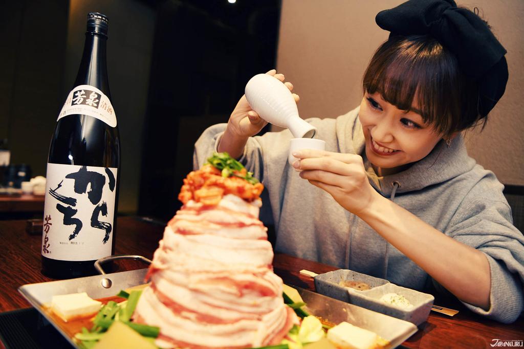 니쿠카잔 나베에 가장 어울린다는 니혼슈를 한잔 받아봅니다