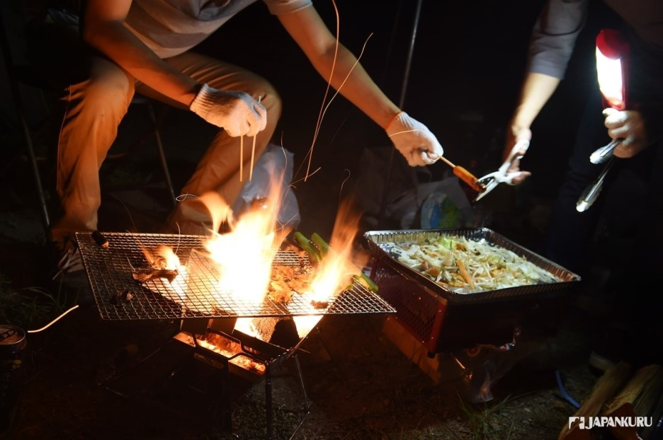 Camping = Barbecue