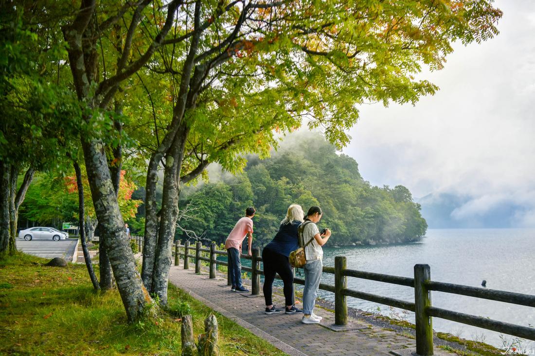용암이 물길을 가두어 형성된 호수 '추젠지코(中禅寺湖)'