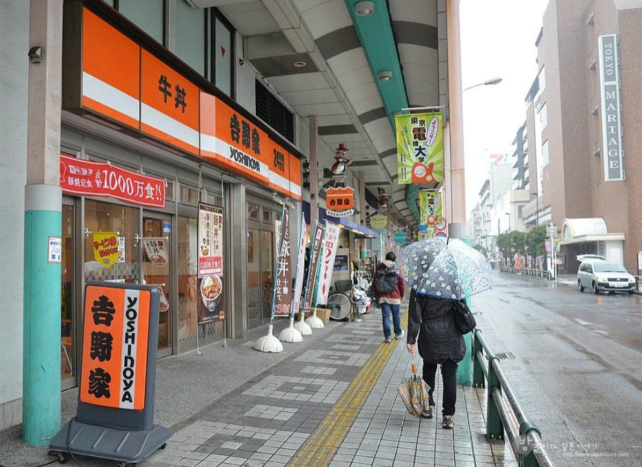 店面駐點超多的吉野家,是許多人想要簡便一餐的選擇
