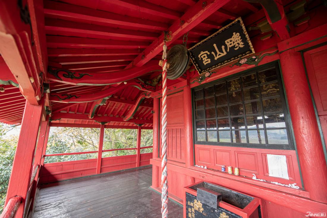 Một kiến trúc tinh xảo của Nhật Bản . Không một chiếc đinh nào được sử dụng tại ngôi đền này!