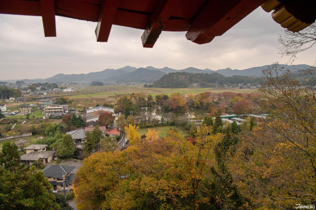 Đây là một phần của khung cảnh bạn có được từ đền Isoyama Banzaiten