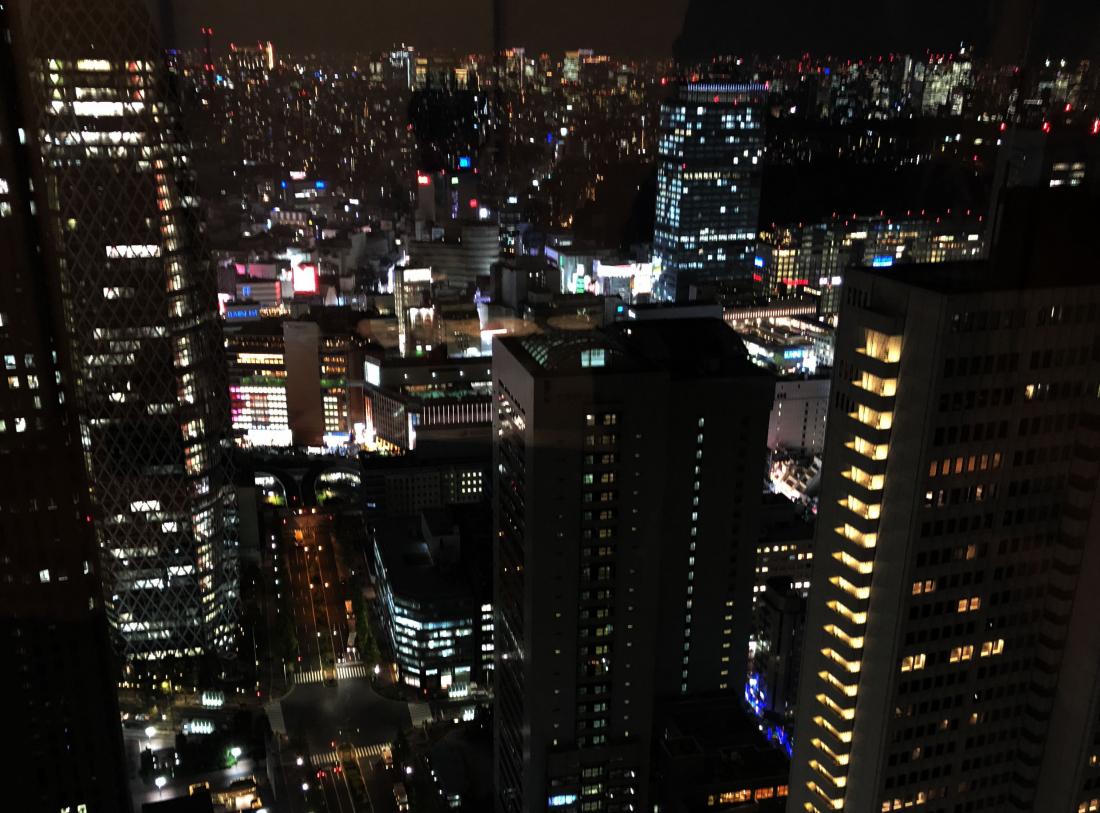 51樓窗外看出去的夜景
