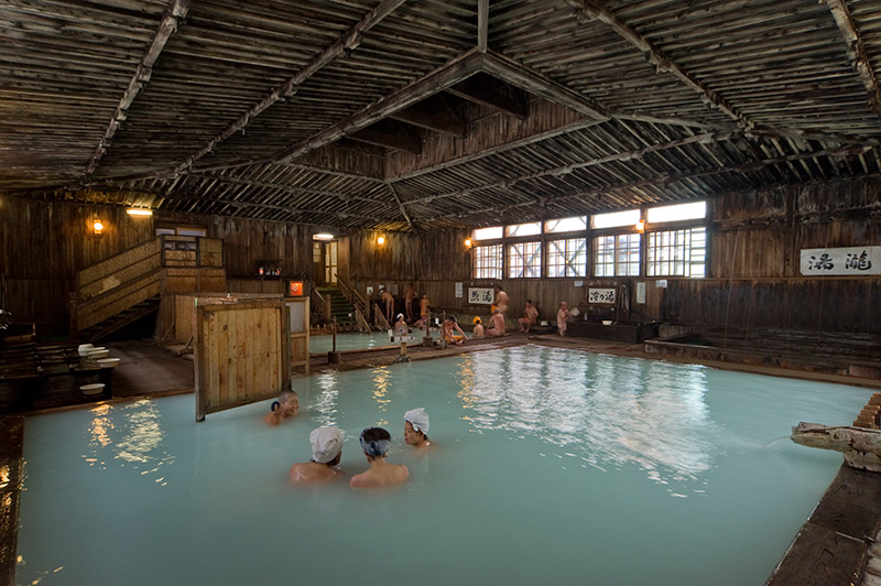 Khách sạn có onsen Aomori - Sukayu  (酸ヶ湯温泉)