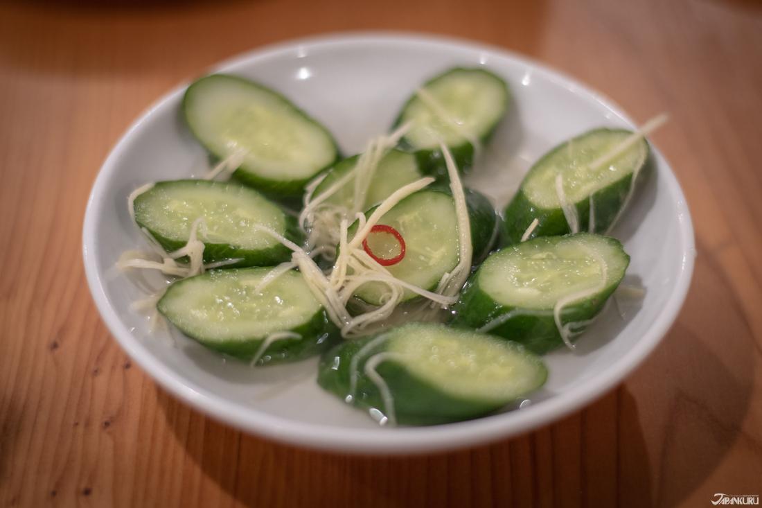 醋醃小黃瓜(キュウリの酢漬け)400日圓