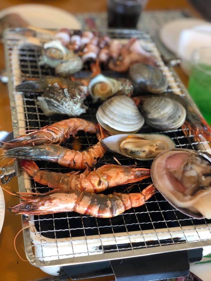 Có thể tha hồ ăn hải sản tùy thích...Ăn thật nhiều để có sức đi chơi hết công viên nhé!