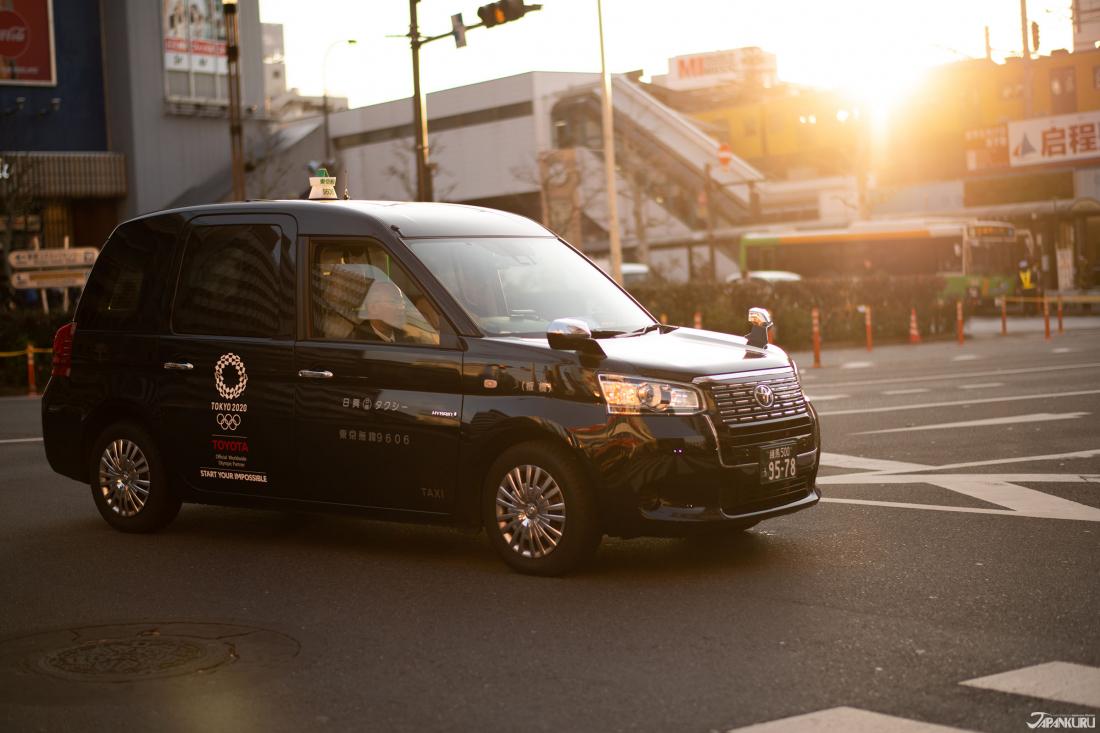 2020東京奧運塗裝的TOYOTA JAPAN計程車