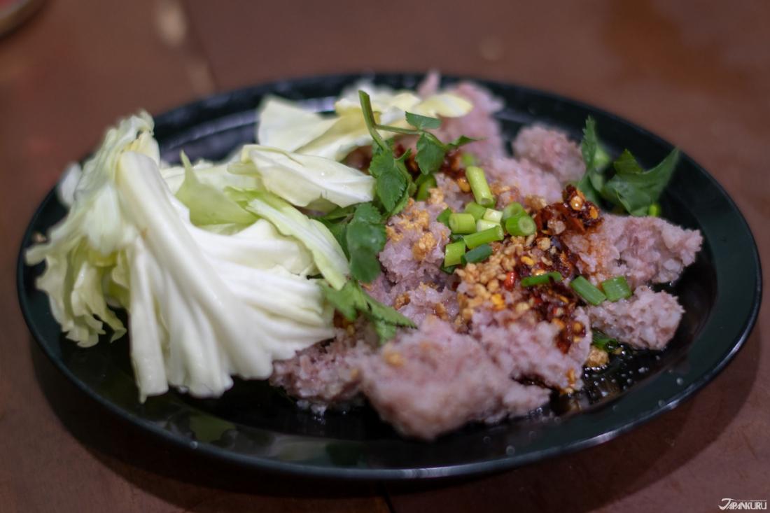 肉和去皮香腸(お肉とおの皮無しソーセージ)  800日圓