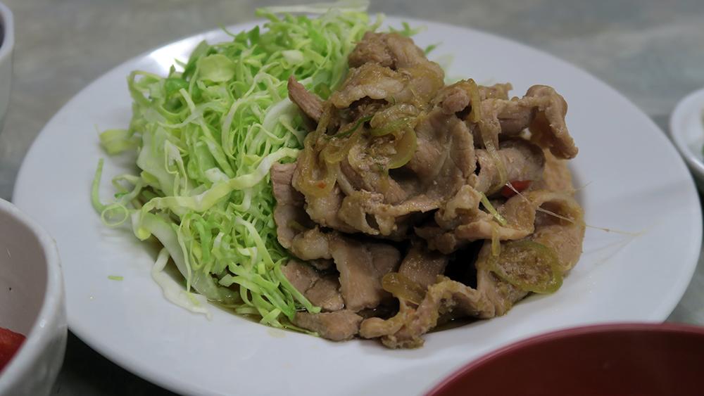 삼겹살 생강 구이 [豚バラ生姜焼] 700엔