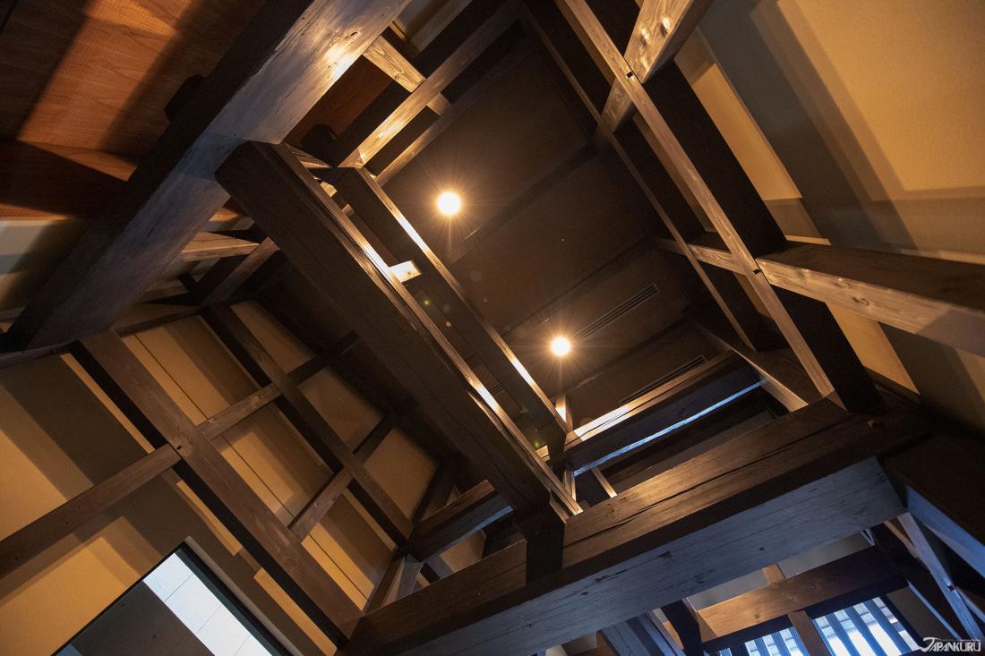 썩지않는 100년의 역사를 자랑하는 일본식 목조건축