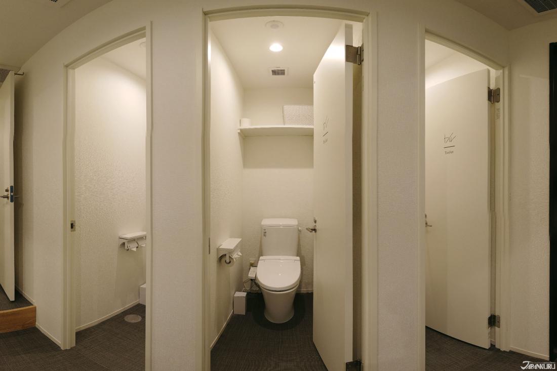 깔끔하게 청소하고 정비하는 화장실