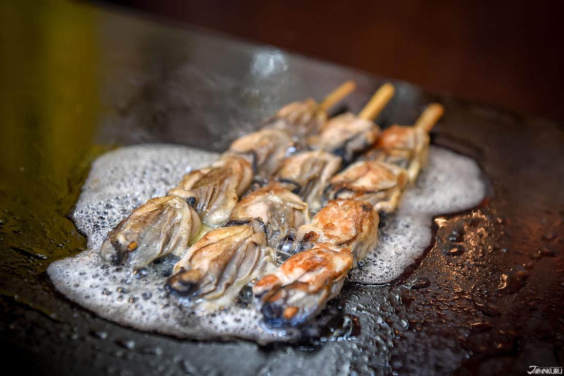 鐵板牡蠣串。