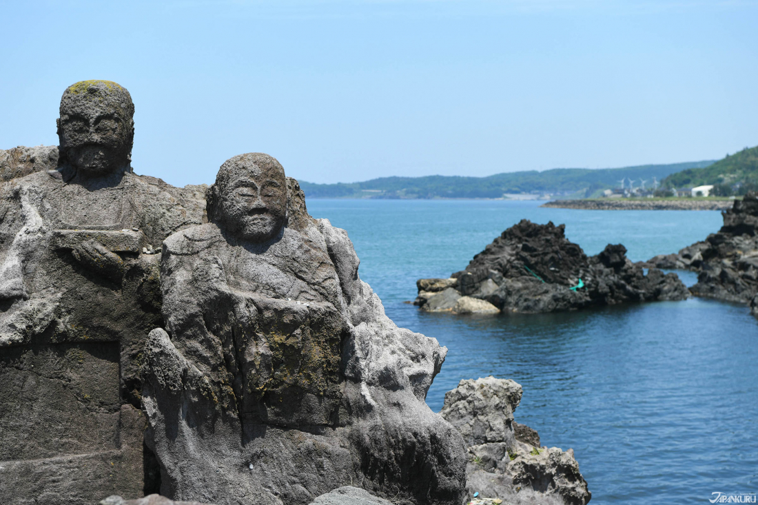 영화속에서만 볼 수 있었던 사람형상을 한 바위!