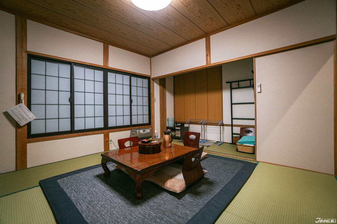 일본 전통 다다미 객실룸