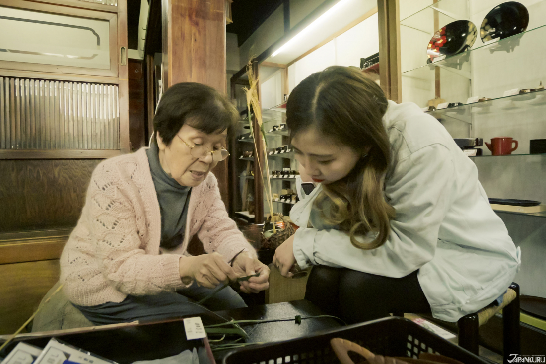 Try your hand at traditional Edo crafts.
