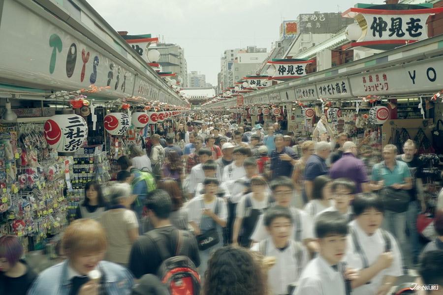 일본인들 사이에서도 핫한 거리 '나카미세'