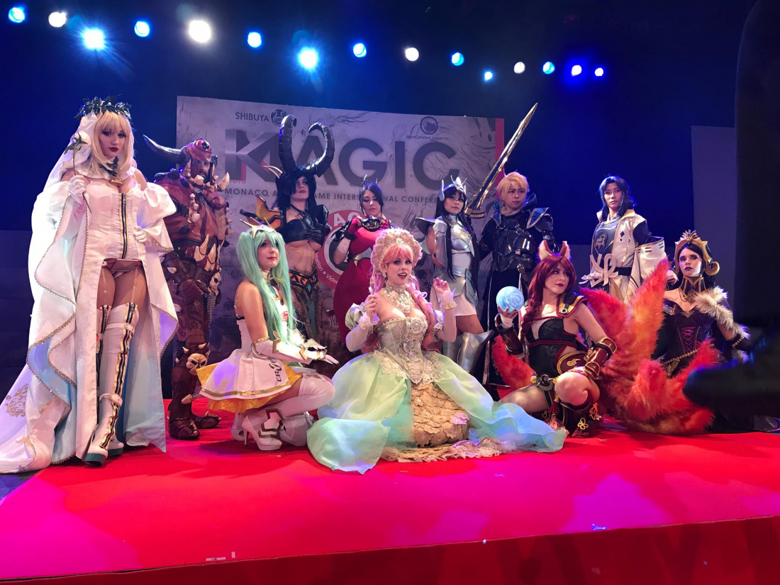 Cosplayers on Stage!