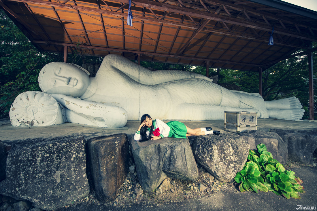 The Reclining Buddha Statue (涅槃像)