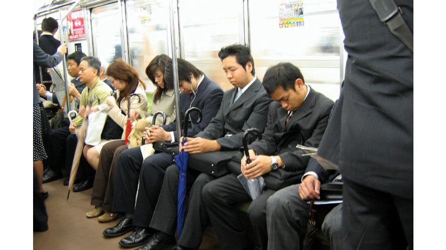 Văn hoá ngủ gật ở Nhật Bản| Ngủ gật được cho là một hành động đáng khen??